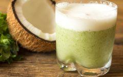 Suco Detox Com Abacaxi, Limão e Água de Coco Para Emagrecer